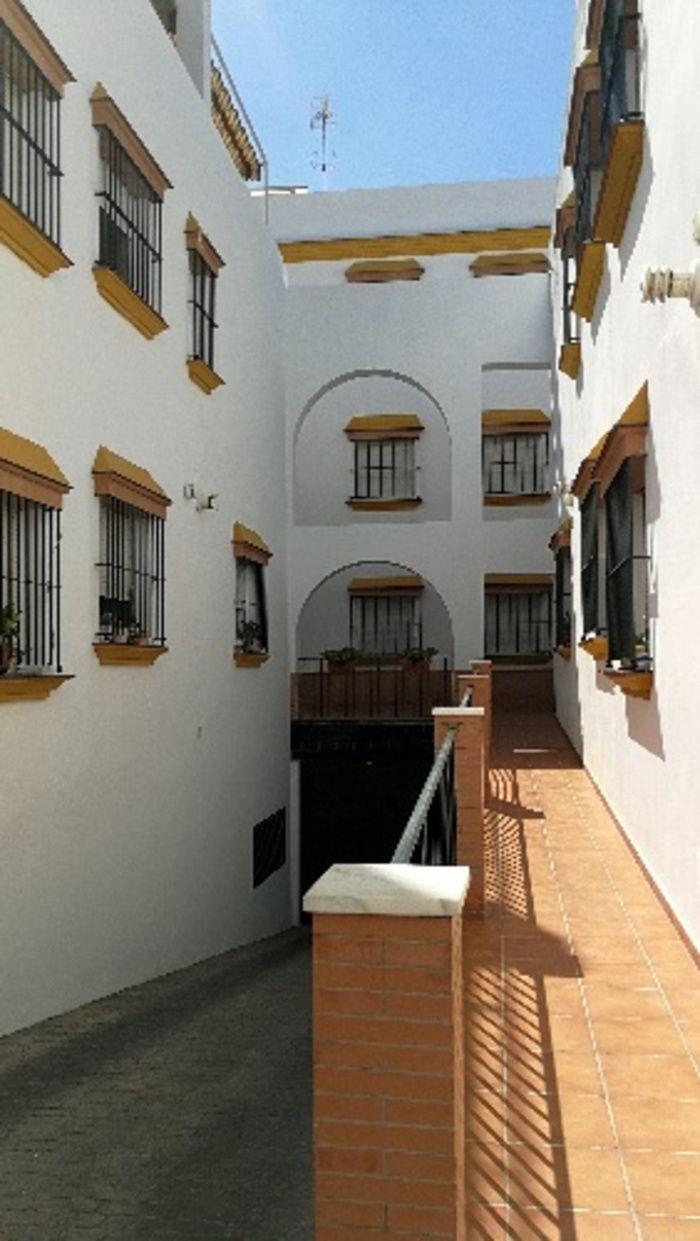 CONDE DE GUADALHORCE, VIVIENDA A ESTRENAR