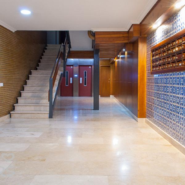 Espectacular piso en los remedios for Alquiler de casas en los remedios sevilla